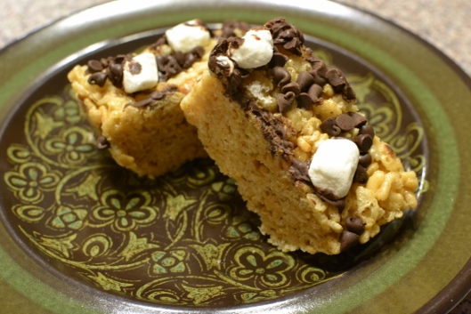 Peanut Butter Chocolate Chip Cereal Bars